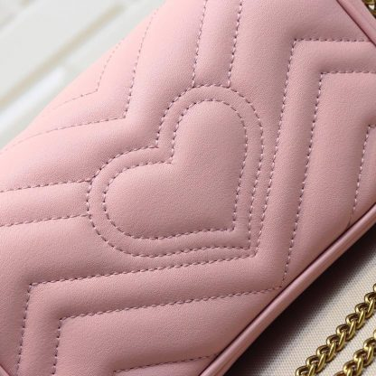 グッチ チェーンバッグ ピンク